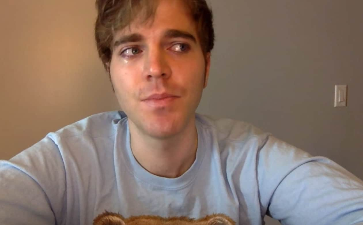 Shane Dawson: YouTuber Shane Dawson Comes Out As Bisexual In Moving
