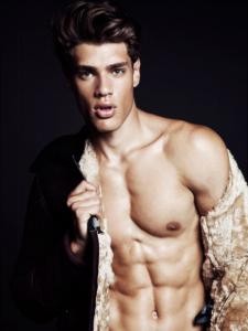 male-model-lucas-loyola-photos-10102015-01-435x580