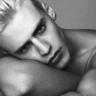 male-model-oliver-stummvoll-10022016-011-620x413