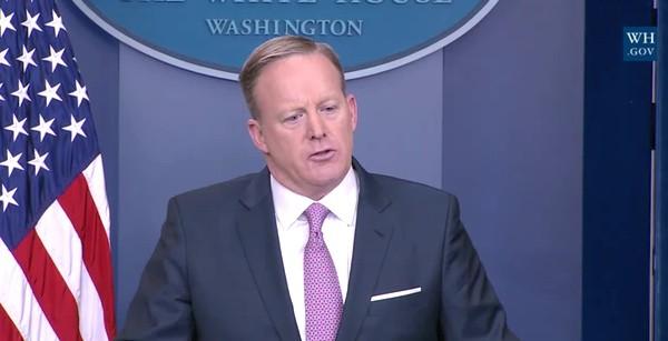 lying Spicer