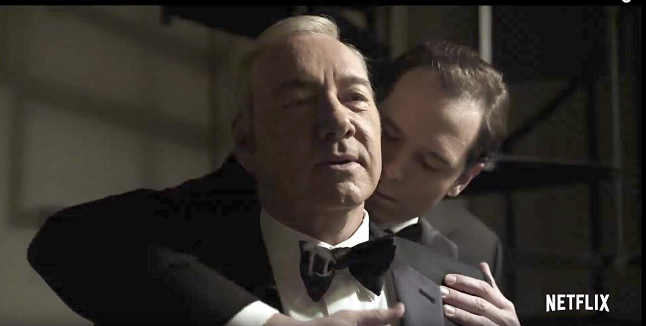 Frank Underwood Gets Intimate with a Man in Season 5 ...