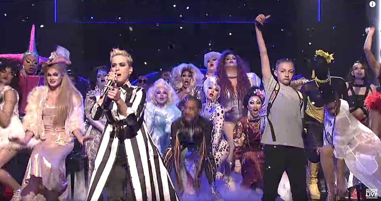 Katy Perry Brought a Coterie of Drag Queens and a Teen ... Katy Perry Swish Swish
