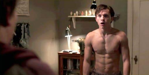 Tom-holland-shirtless-in-Spiderman-homecoming-510x258.jpg