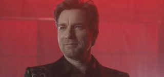 DC Universe to Unveil First Not-Explicitly-Gay Supervillain: Ewan McGregor's 'Black Mask'