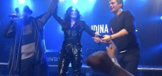Idina Menzel, Jonathan Groff, and Josh Gad Did a Very 'G-A-Y' Performance of 'Let It Go' Over the Weekend: WATCH