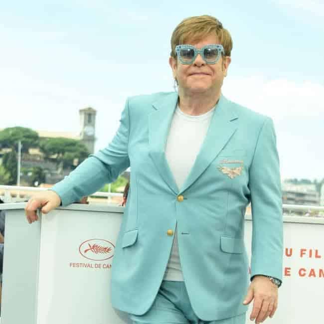 Sir Elton John está ansioso por pasar más tiempo con su familia